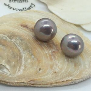 925 Sterling Silver Lavender Lilac Shell Pearl Stud earrings