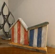 Wood beach huts - red and blue