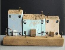 Pastel double-sided wood houses