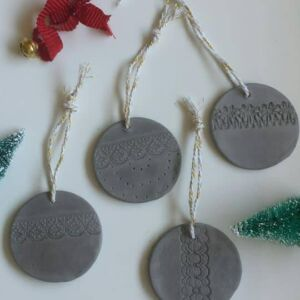 Set of 4 Stone Christmas baubles