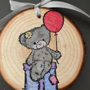 Hand decorated wood slice - Teddy Bear holding balloon