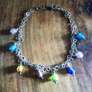 Glass crackle bead bracelet