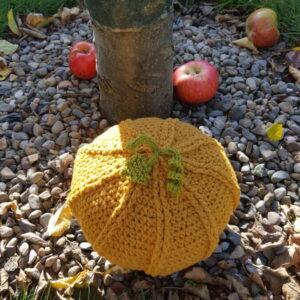 Crochet woollen pumpkin