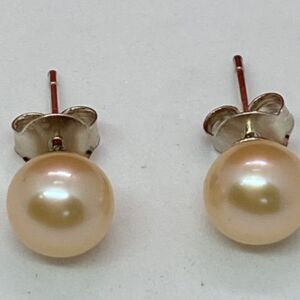 Exquisite 925 sterling silver pretty pale peach freshwater pearl studs